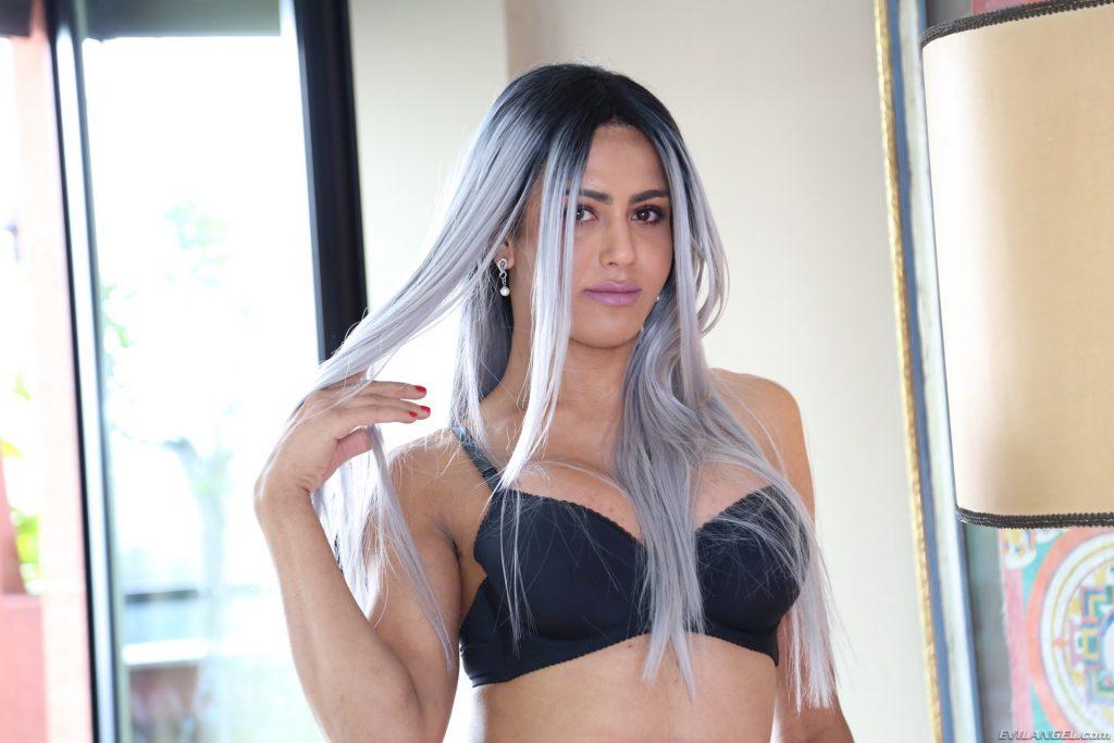 Bella Anaconda